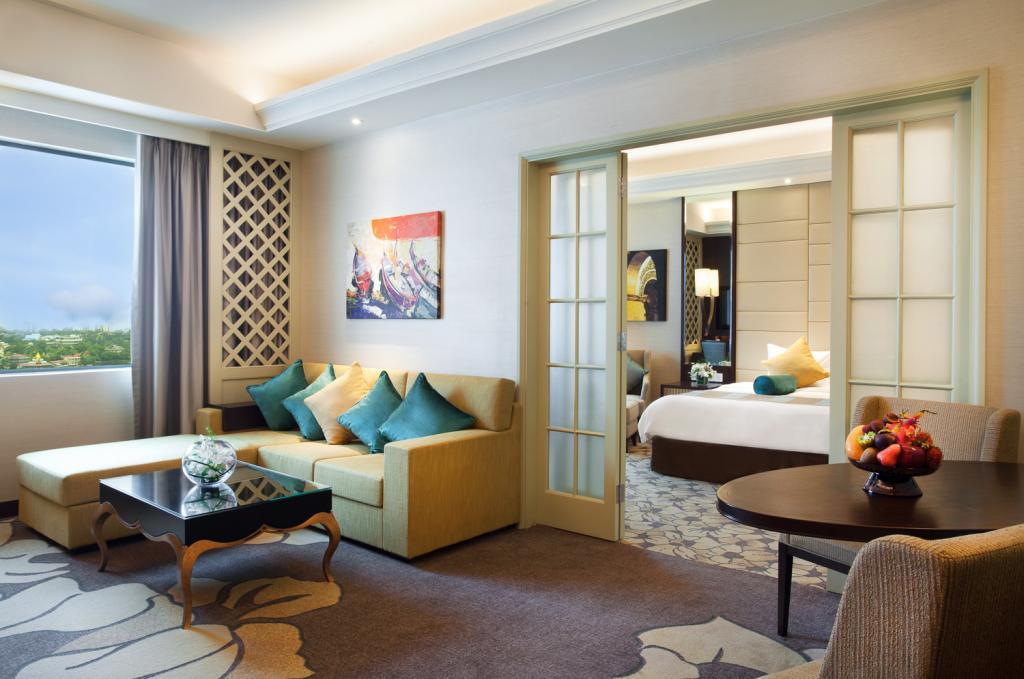 079ad-Sedona-Hotel-02.jpg