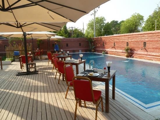 09338-zfreeti-hotel-bagan-swimming-pool-1.jpg