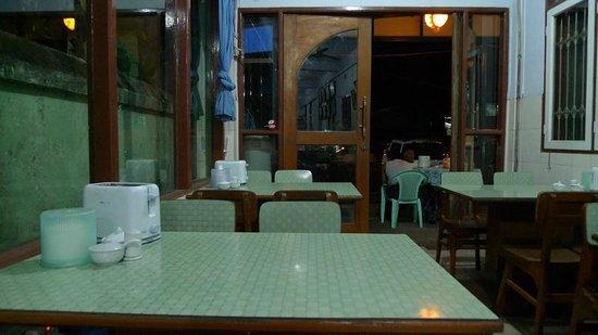 09880-mother-land-inn-2.Breakfast.jpg
