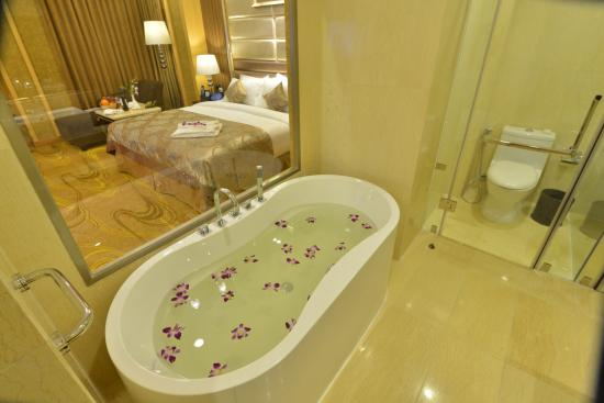 0c442-Best-Western-Chinatown-Hotel-Bed-Tex.jpg
