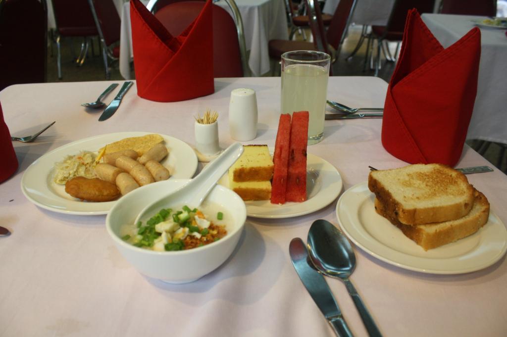 0f5a3-Central-Hotel-Breakfast.jpg