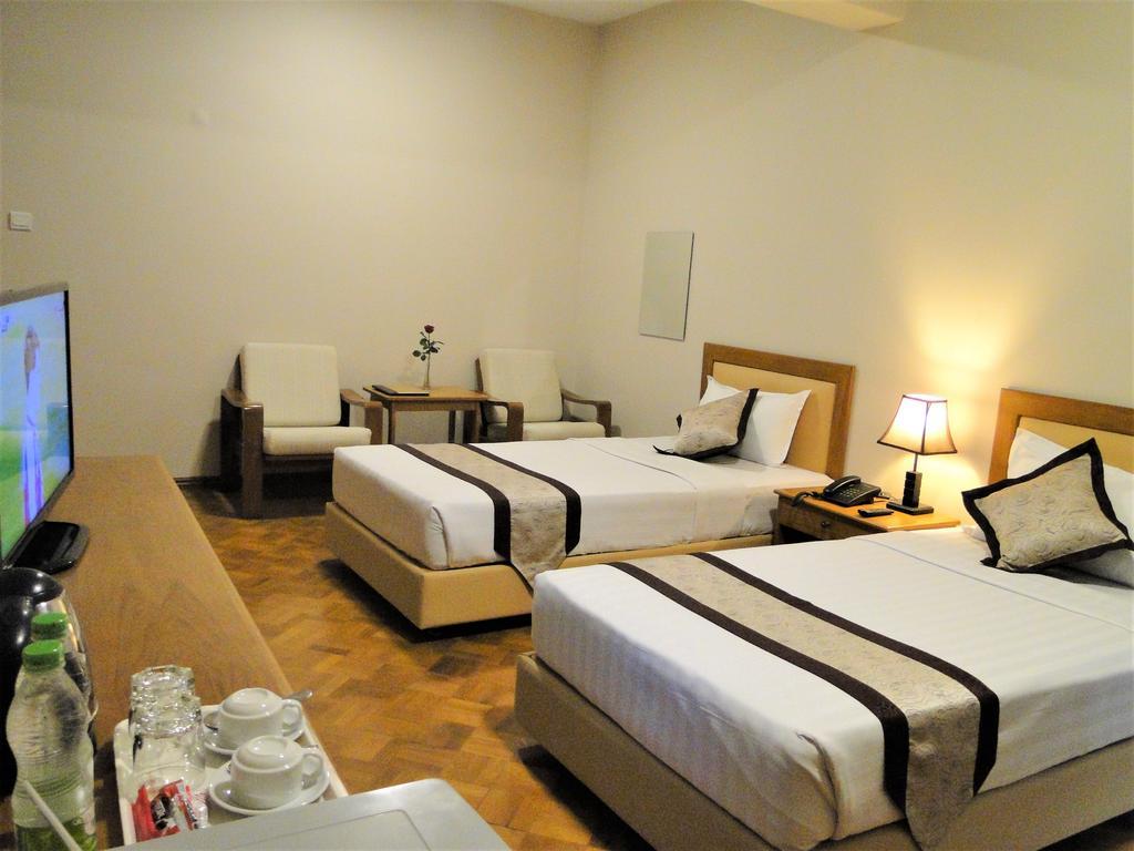 0f903-Hotel-Van-Twin-Best.jpg