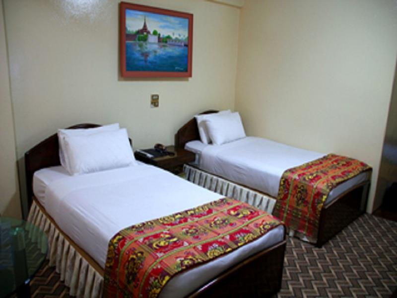 104ce-power-hotel-mdl-room-2.jpg