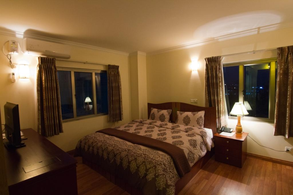 13a9e-millenniun-hotel-room-2.jpg