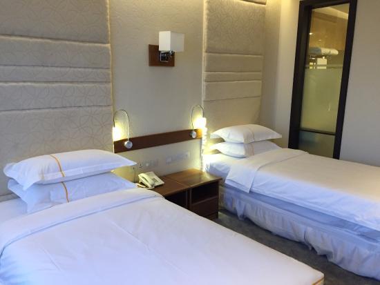 1473c-jasmine-palace-hotel.-Single-Roomjpg.jpg