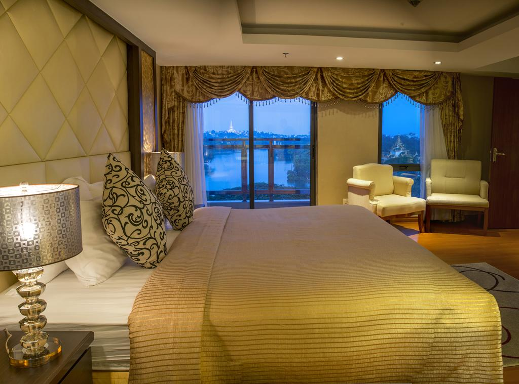 1486d-Esperado-Lake-View-Hotel-DBL-Room.jpg