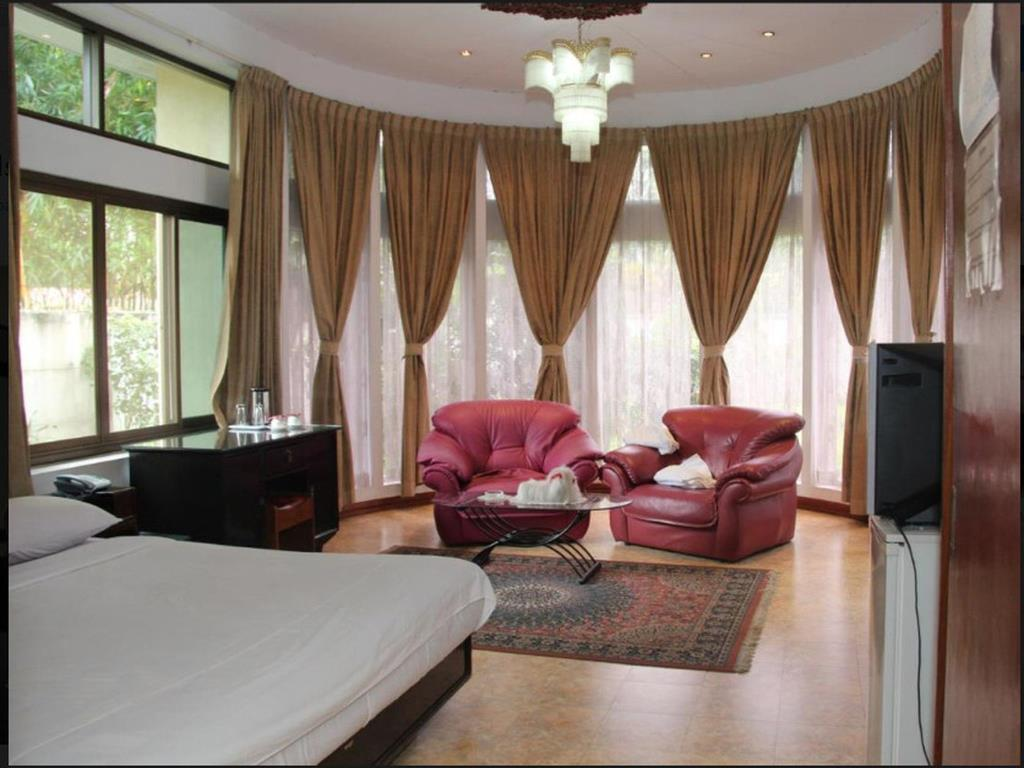 21ed0-Windsor-Hotel-DBL-Best.jpg