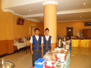 2864e-Hotel-63-breakfast-area.jpg