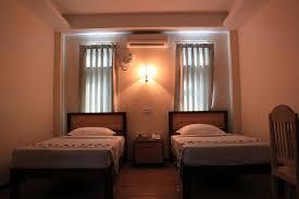 296af-hotel-7-mile-room2.jpg