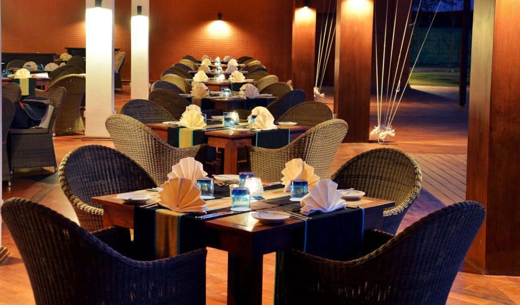 2a9f7-Tiffin-Box-restaurant-at-Bagan-Lodge1.jpg