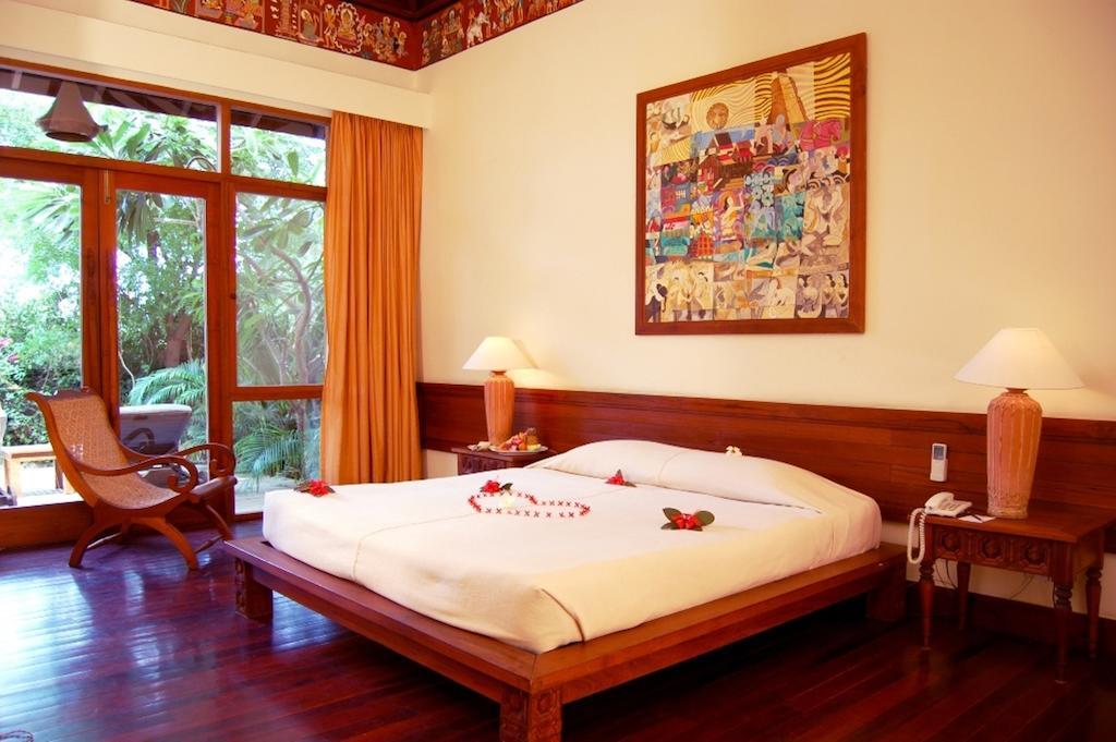 2d431-Tharabar-Gate-DBL-Room.jpg