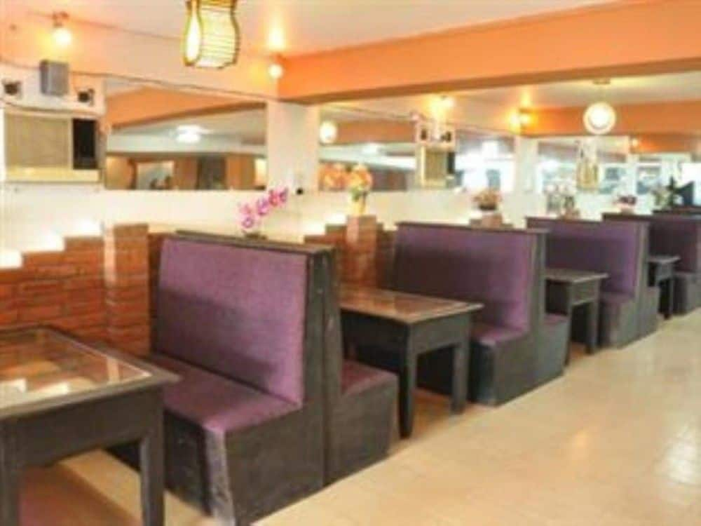 3469e-power-hotel-mdl-dinning-room.jpg