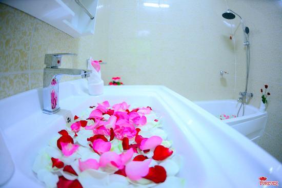 370a8-vega-star-hotel.Bath-Room.jpg
