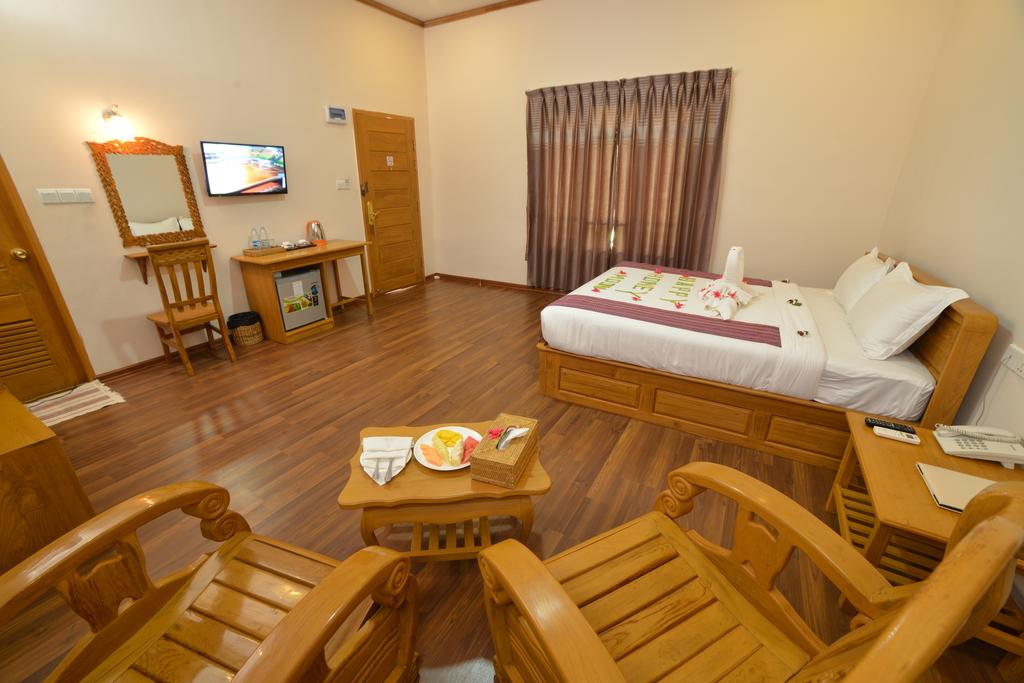 3c86d-bagan-emerald-hotel-room-5.JPG