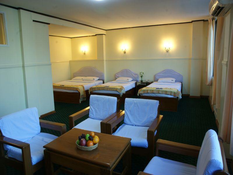 41095-pacific-hotel-dinning-room-mdl.2jpg.jpg