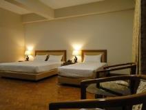 41098-Hotel-Van-Triple-Room.jpg