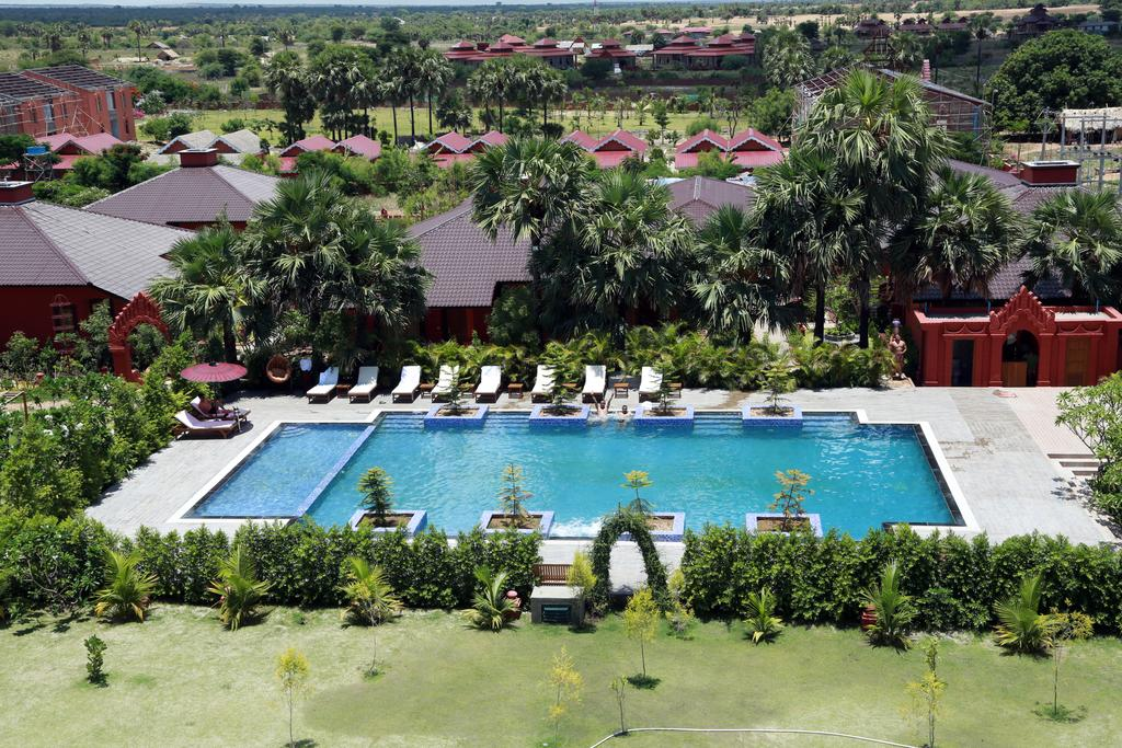 475a7-gracious-bagan-hotel-swimming-pool-2.jpg