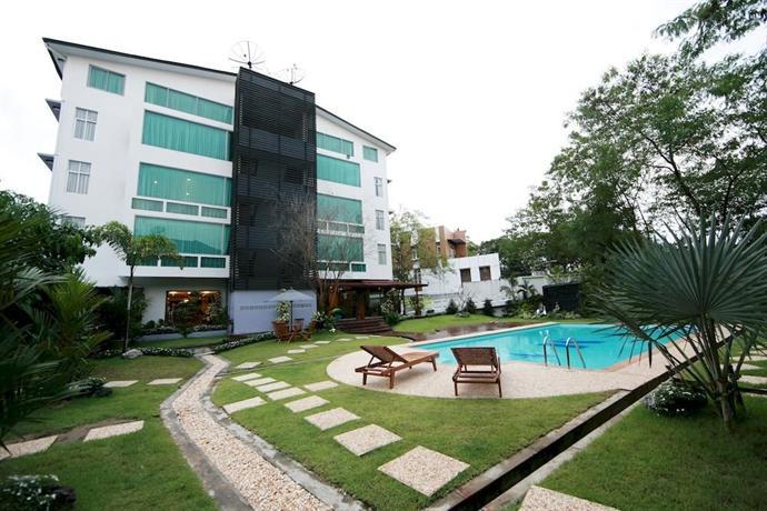 47685-mya-yike-nyo-hotel-swimmimg-pool.jpg