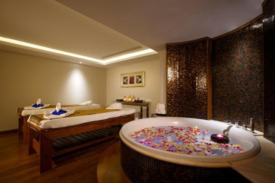 490d0-novotel-yangon-max.Bath-Roomjpg.jpg