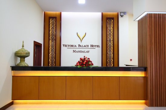 50202-victoria-palace-hotel-reception.jpg