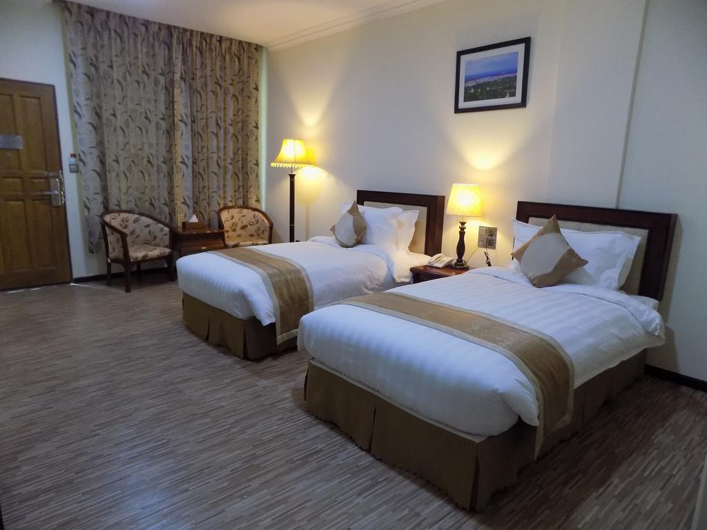 50251-victoria-palace-hotel-mdl-room-3.jpg