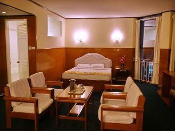 54763-pacific-hotel-room-mdl.jpg