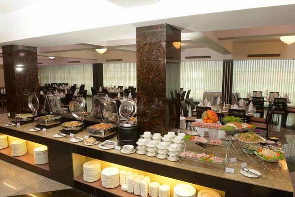 5b372-tawwingardenhotel-yangon-myanmar-thirirestaurant.jpg