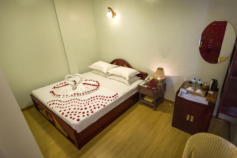 5c9cc-mega-stars-hotel-mdl-room-4.jpg