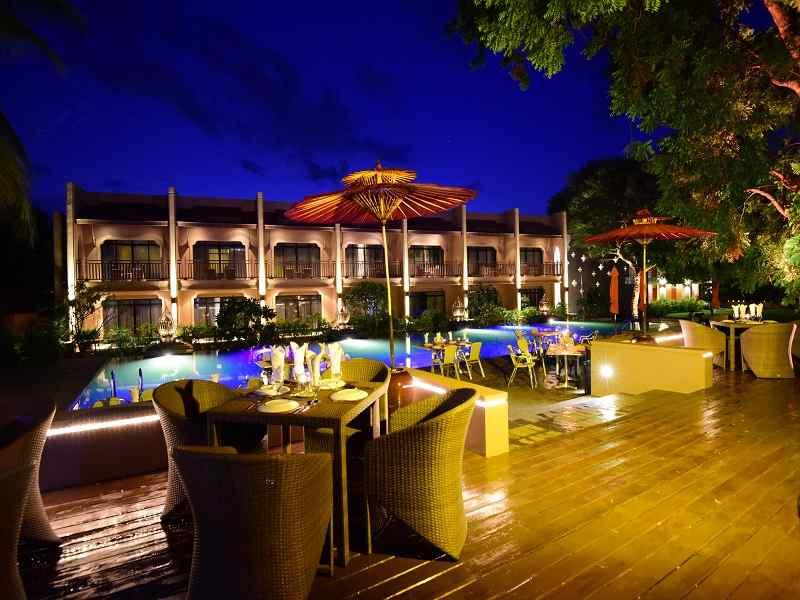 5fc8b-bagan-umbra-hotel-NIGHT.jpg