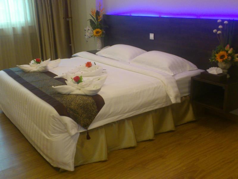 60afb-hotel-51-room-1.jpg