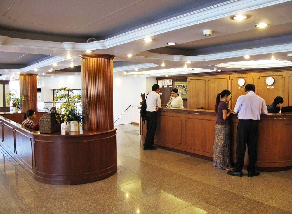 6f073-Orchid-Hotel-Lobby.jpg