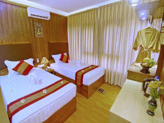 71a0a-hotel-yadanarbon-superior-twin-room-2.jpg