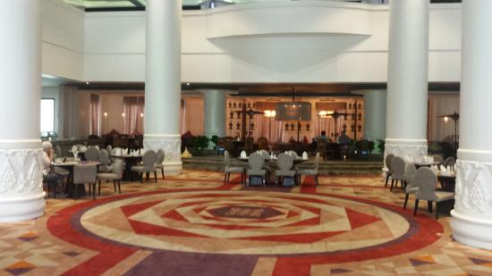 7644d-rose-garden-hotel.jpg