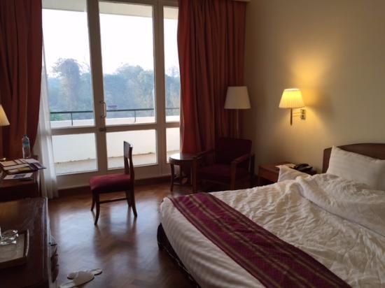 77406-inya-lake-hotel.DBL-Bestjpg.jpg