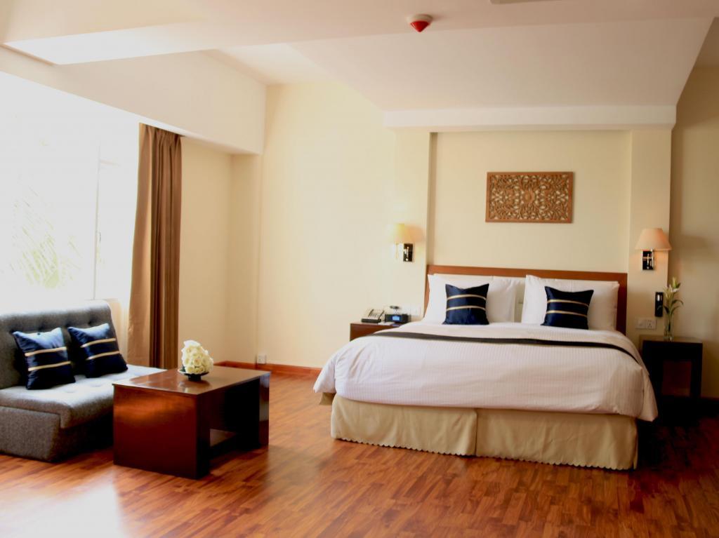 7b20c-Eastern-Palace-DBL-Room.jpg