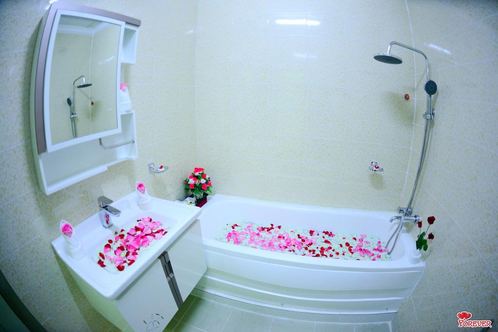7ce71-Vega-Star-Hotel-Bath.jpg