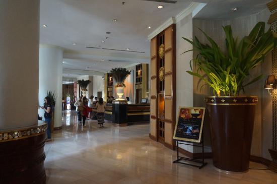 8253d-Mandalay-Hill-Resort-01jpg.jpg