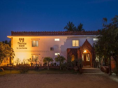 8384a-modify.thurizza-hotel.jpg