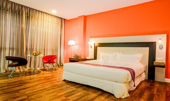 8dda0-noble-mingalar-hotel-room.jpg