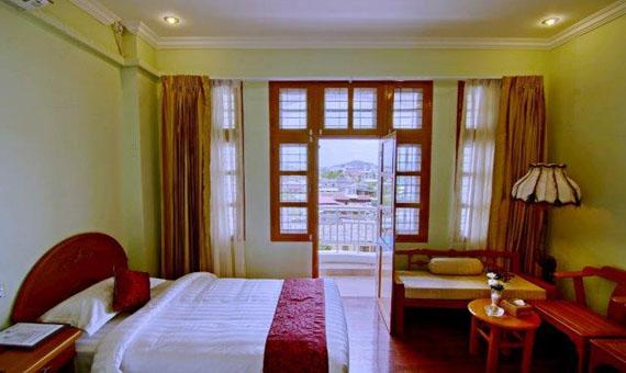 9162f-Hotel-Dingar_DeluxeRoom_3.jpg