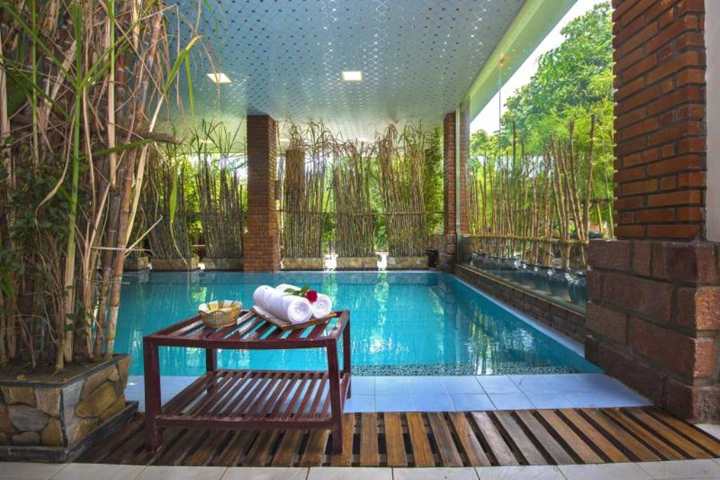 95b38-mega-stars-hotel-mdl-swimming-pool.jpg
