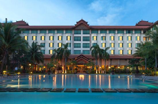 a9408-sedona-hotel-mandalay.jpg
