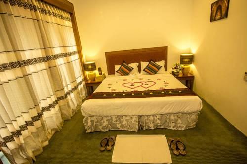 a9df3-razagyo-hotel-room-2.jpg
