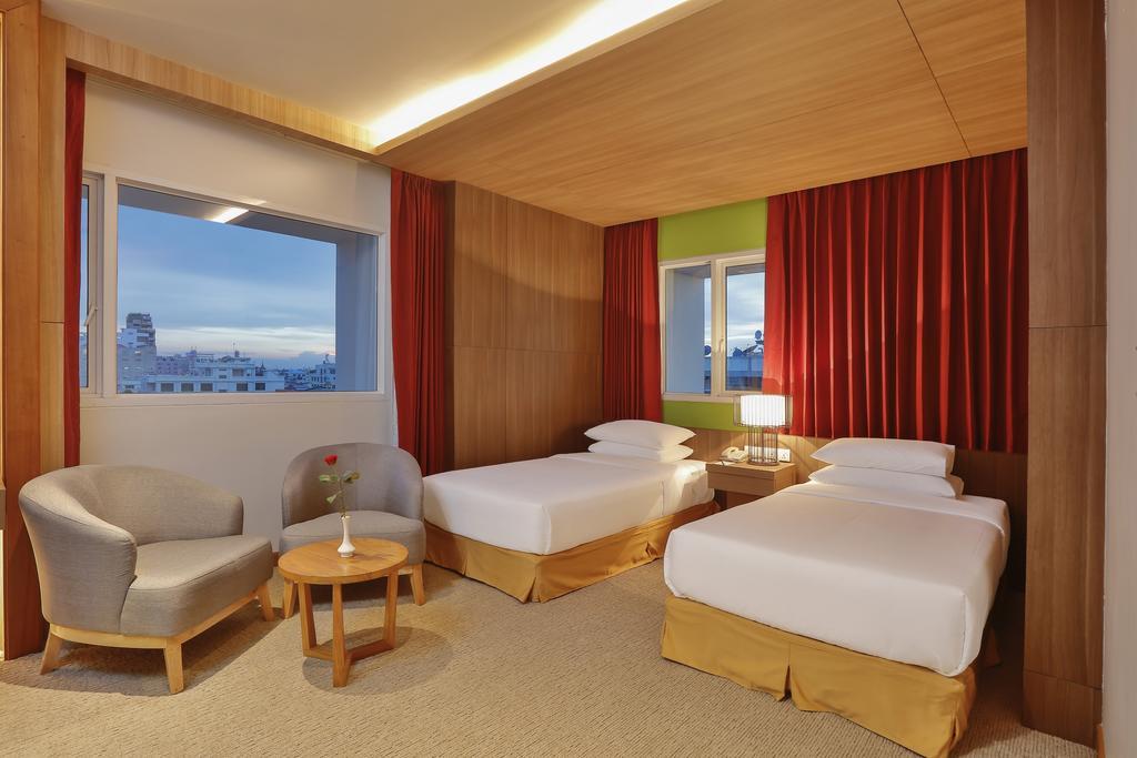aad44-Hotel-83-Twin-Best.jpg