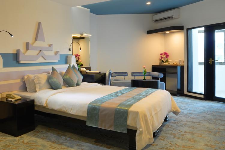 b1d88-Hotel-MArvel-deluxe_02.jpg