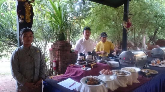 b216a-amazing-bagan-resort.-Lunch-jpg.jpg