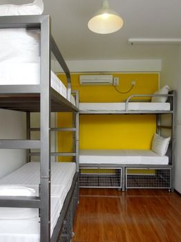 d75ab-victoria-palace-hotel-mdl-double-bed.jpg