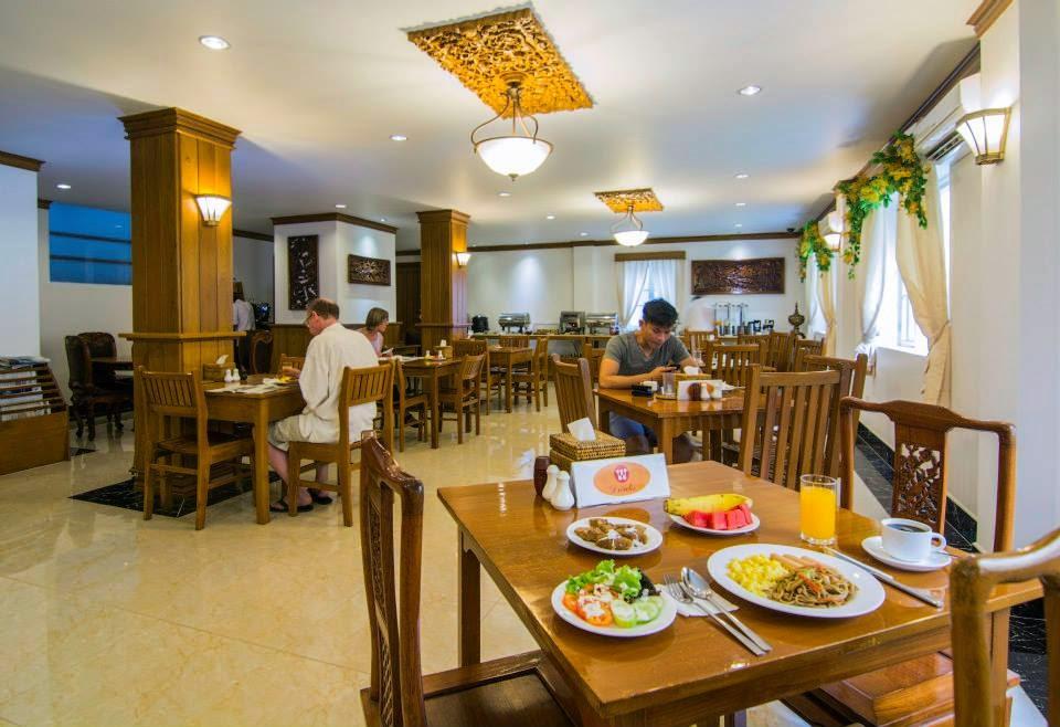 d8136-winner-inn-dinning-room-2.jpg
